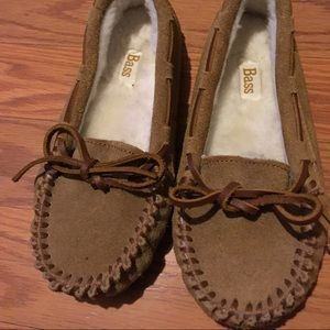 Kids Bass suede moccasin slipper/shoes